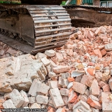 empresa que faz demolição e retirada do material Santa Elisa