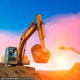 escavação com retroescavadeira