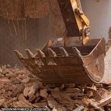 demolição e remoção de entulho